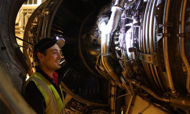 Manu : Mécanicien sur avion
